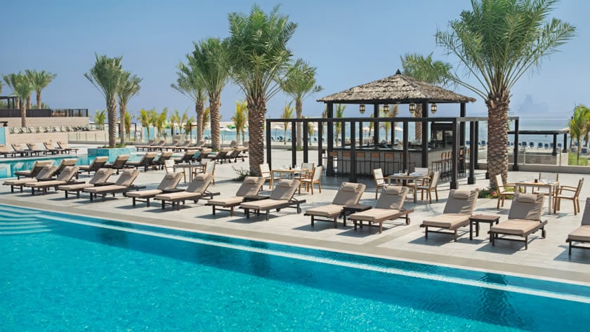 Doubletree by Hilton Resort & Spa Marjan Island, Boardwalk Pool Bar