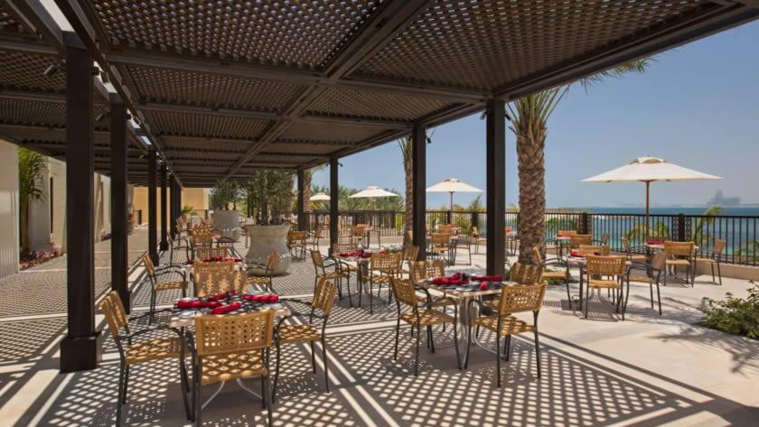 Doubletree by Hilton Resort & Spa Marjan Island, Brasserie - Vespa Terrace
