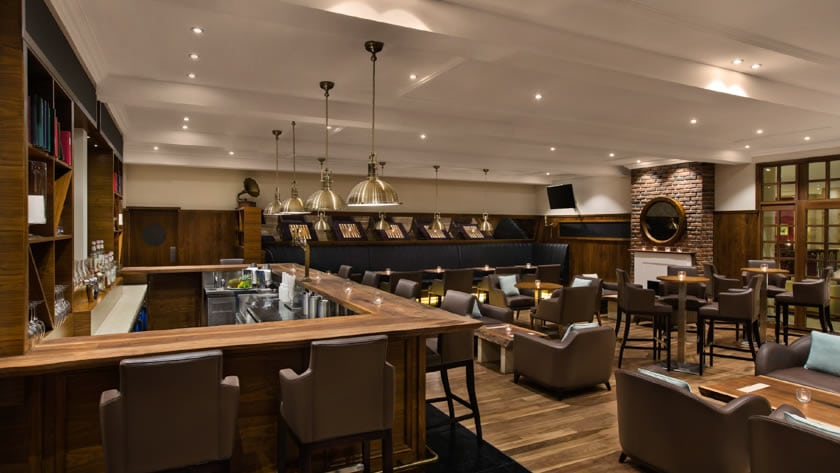 Hilton Al Hamra Beach & Golf Resort, Sirocco Bar