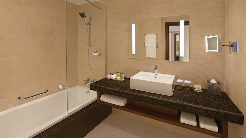 Double Tree Marjan Island - Guest room Bathroom